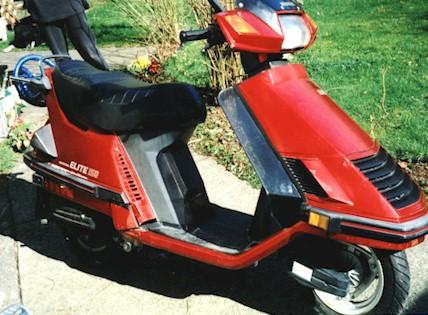 Red on 1987 Honda Elite 150 Ch150